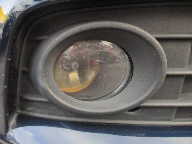 フロントフォグライトも装備されております♪曇りやヒビ割れ等もなくとてもキレイな状態です♪夜の暗い道や雨天時など視界の悪い時に道を照らして視界を広げてくれますので安全性も良好です♪
