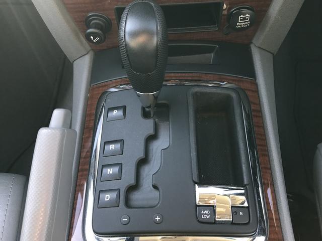 リミテッド ワンオーナー 4WD 皮パワーシート シートヒータ 純正ナビ ETC 障害物センサー(24枚目)