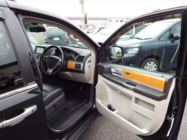 クライスラー クライスラー グランドボイジャー ブラックレザー HDDナビ ワンセグ 両側パワースライド