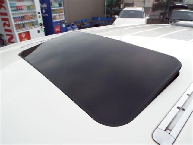 ターボ ティプトロニックS 4WD サンルーフ 茶革 外ナビTV シートヒーター 18インチAW バックカメラ ETC(8枚目)