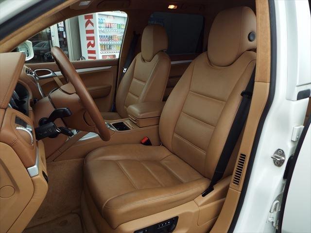 ターボ ティプトロニックS 4WD サンルーフ 茶革 外ナビTV シートヒーター 18インチAW バックカメラ ETC(12枚目)