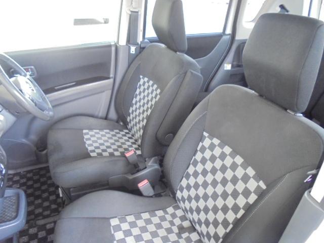 スズキ ソリオ 4WDブラックアンドホワイト