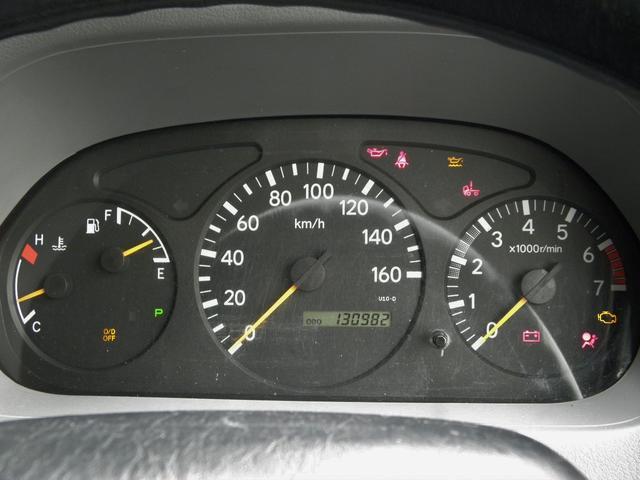 走行距離は実走行です。警告灯はエンジン始動時に消えます。