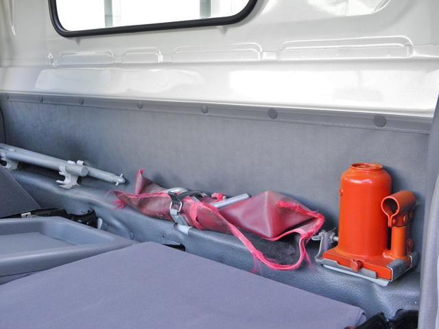 2t低床 パワーゲート付き800kg型 荷台鉄板貼り 車両総重量4505kg(37枚目)