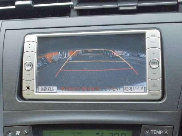 バックカメラ付き!!苦手な駐車も簡単ですね!!