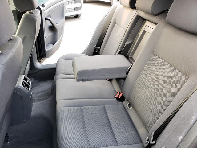 本車輌は禁煙にて扱われておりタバコの嫌な臭い等一切御座いません!!徹底的なクリーニングにてさらにクリーンで快適な車内空間をご提供しております。禁煙にてお探しのお客様必見です!
