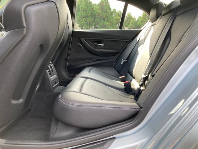 M3 ワンオーナーガレージ保管 ミシュラン19インチ純正新タイヤ 本革パワーシート(14枚目)
