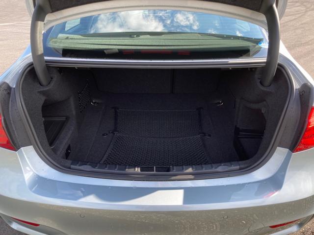 M3 ワンオーナーガレージ保管 ミシュラン19インチ純正新タイヤ 本革パワーシート(17枚目)