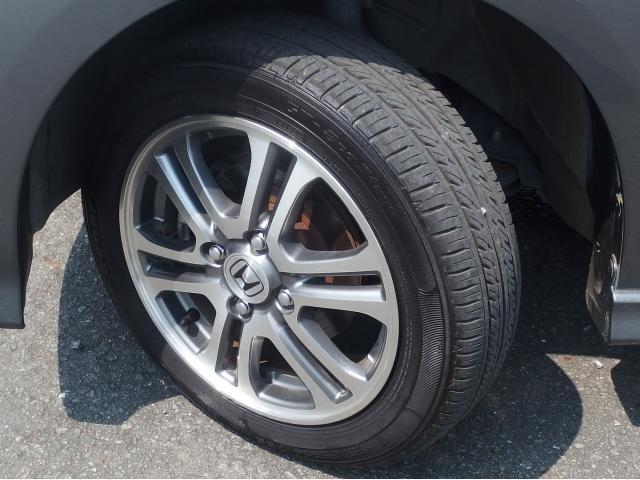 タイヤの溝は8分山程度ありまだまだ走れます!