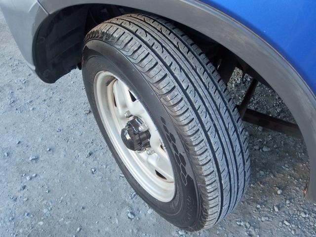タイヤの溝は8分あります。まだまだ安心してお乗り頂けます。