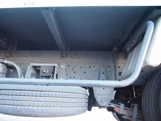 トヨタ トヨエース 2t積・パネルバン・垂直パワーゲート・車両総重量4905kg