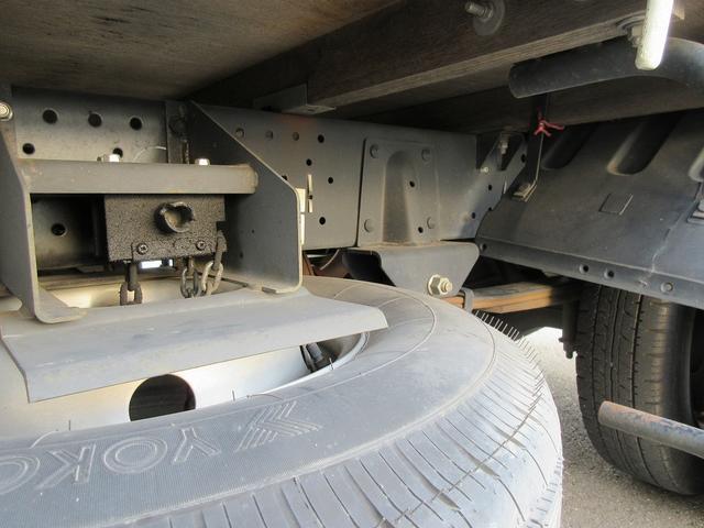 いすゞ エルフトラック 2t積・平ボディ幌付き・垂直パワーゲート600kg・5t未満