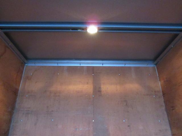 2t積・アルミバン・垂直ゲート600kg・ラッシングレール(15枚目)