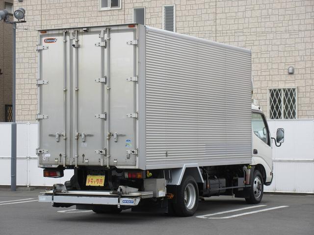 4WD・2t積・アルミバン・格納パワーゲート・サイドドア(3枚目)