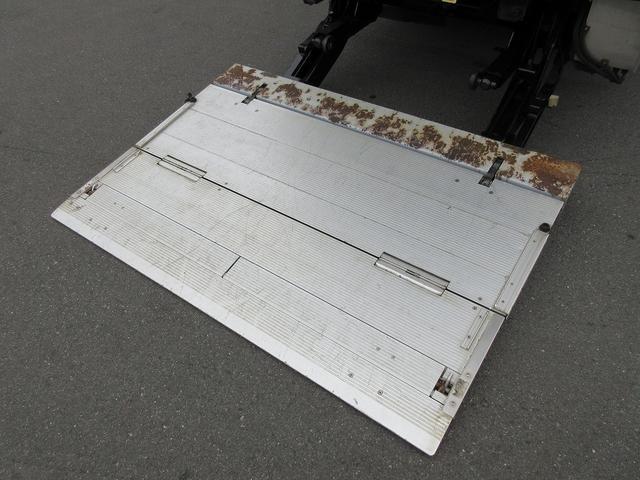 4WD・2t積・アルミバン・格納パワーゲート・サイドドア(9枚目)