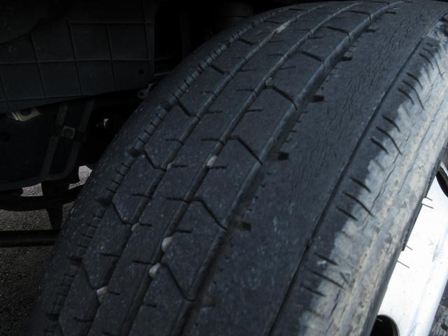 1.5t積・平ボディ・標準10尺・AT・H-L切り替え4WD 1.5t積・エルフ平ボディ・標準10尺・H-L切り替え4WD(28枚目)