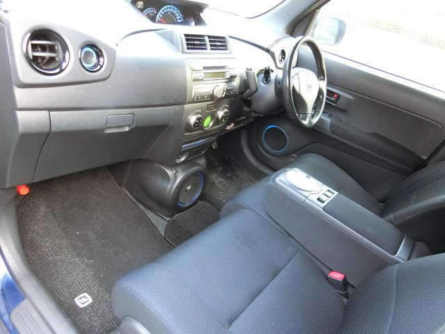 トヨタ bB Z Qバージョン ベンチシート 1500cc