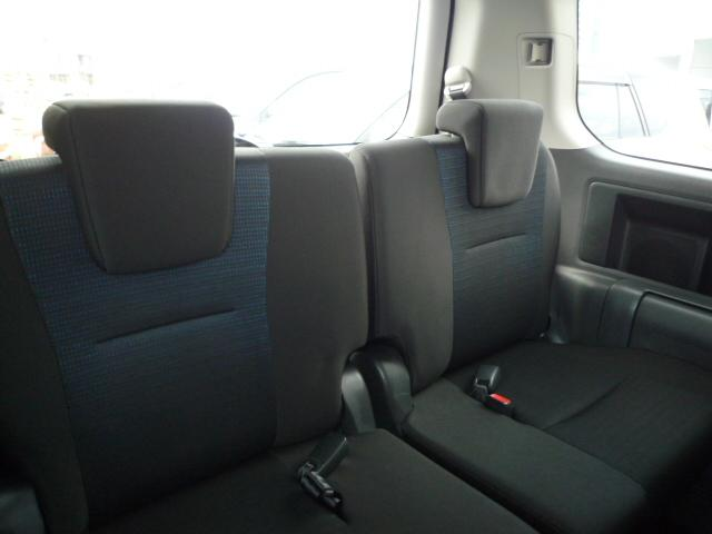 トヨタ ヴォクシー ZS 両側パワースライドドア