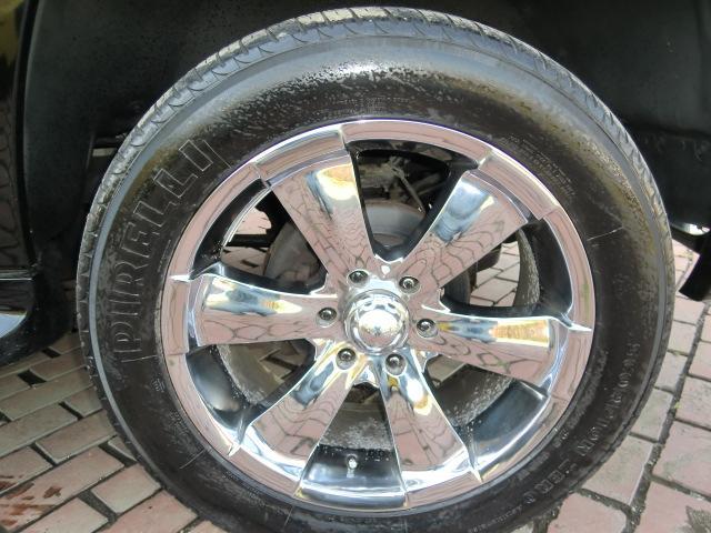 ベースグレード・20インチアルミ・4WD・トレーラーヒッチ(19枚目)