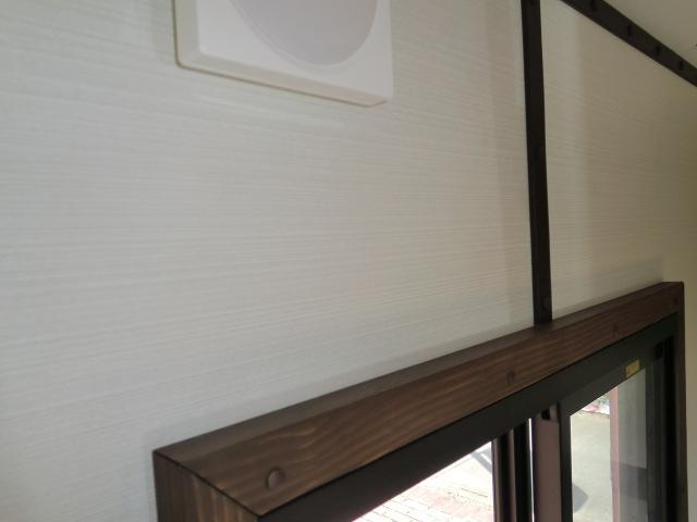 窓枠ひとつでもすべて手作り!他社品とは作りこみが違います!