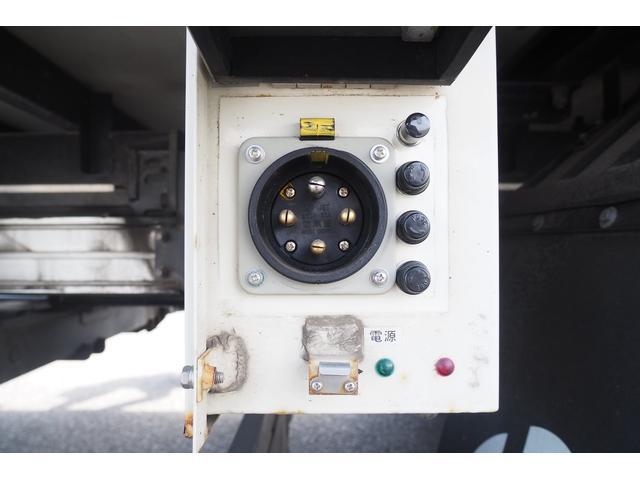 冷蔵冷凍車 低温仕様 上物冷凍機 三菱TDJS50A-L2 -30度 サイドドア 新明和製格納式パワーゲート付き ゲート内寸幅190奥行130cm 昇降能力1t ラッシング2段 積載3t バックカメラ(9枚目)