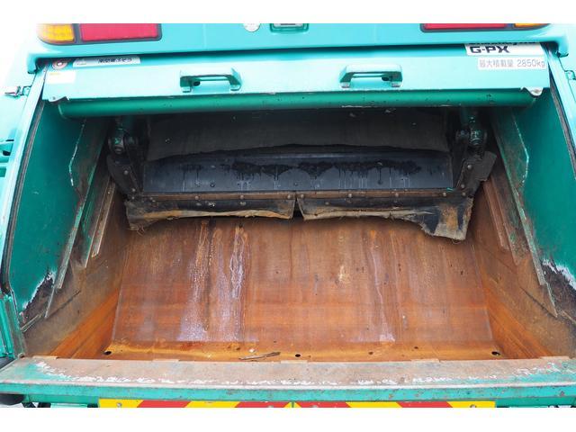 新明和製G-PX GT064 塵芥車 プレス式 パッカー車 上物モデルGT064 連続スイッチ付き 容量6.8立米 汚水タンク付 積載2850kg バックカメラ(9枚目)