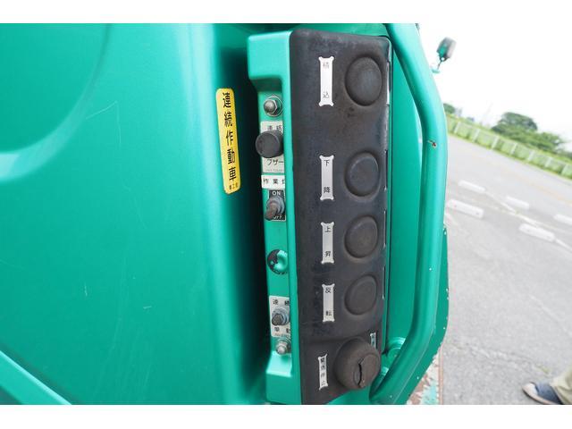 新明和製G-PX GT064 塵芥車 プレス式 パッカー車 上物モデルGT064 連続スイッチ付き 容量6.8立米 汚水タンク付 積載2850kg バックカメラ(15枚目)