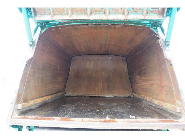 新明和製G-PX GT064 塵芥車 プレス式 パッカー車 上物モデルGT064 連続スイッチ付き 容量6.8立米 汚水タンク付 積載2850kg バックカメラ(23枚目)