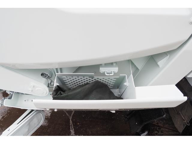 外装仕上げ済み 新明和製 パッカー車 プレス式 4.6立米 コンテナ反転装置付き 塵芥車 汚水タンク 連続スイッチ 積載1.7t 内外装クリーニング中(28枚目)
