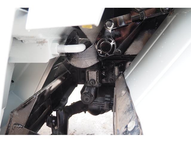 外装仕上げ済み 新明和製 パッカー車 プレス式 4.6立米 コンテナ反転装置付き 塵芥車 汚水タンク 連続スイッチ 積載1.7t 内外装クリーニング中(41枚目)
