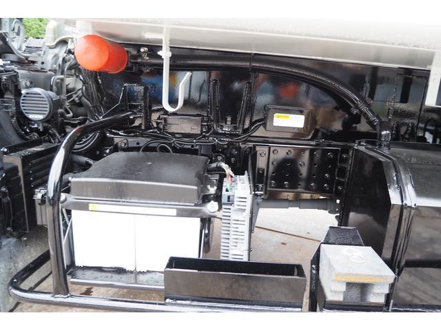 外装仕上げ済み 新明和製 パッカー車 プレス式 4.6立米 コンテナ反転装置付き 塵芥車 汚水タンク 連続スイッチ 積載1.7t 内外装クリーニング中(49枚目)