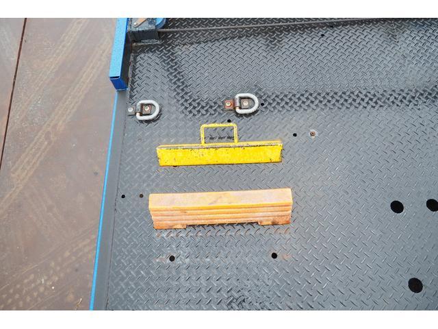 極東開発製 フラトップ フルフラット セーフティーローダー あおりレスタイプ スライド ウインチ ラジコン付き 荷台内寸570幅207cm 積載3.6t 内フック付き バックカメラ ETC ナビ付(36枚目)