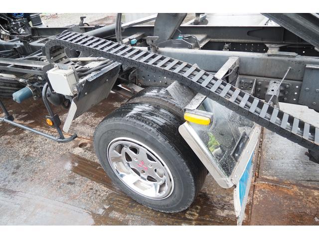 極東開発製 フラトップ フルフラット セーフティーローダー あおりレスタイプ スライド ウインチ ラジコン付き 荷台内寸570幅207cm 積載3.6t 内フック付き バックカメラ ETC ナビ付(40枚目)
