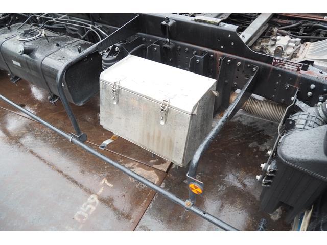 極東開発製 フラトップ フルフラット セーフティーローダー あおりレスタイプ スライド ウインチ ラジコン付き 荷台内寸570幅207cm 積載3.6t 内フック付き バックカメラ ETC ナビ付(46枚目)