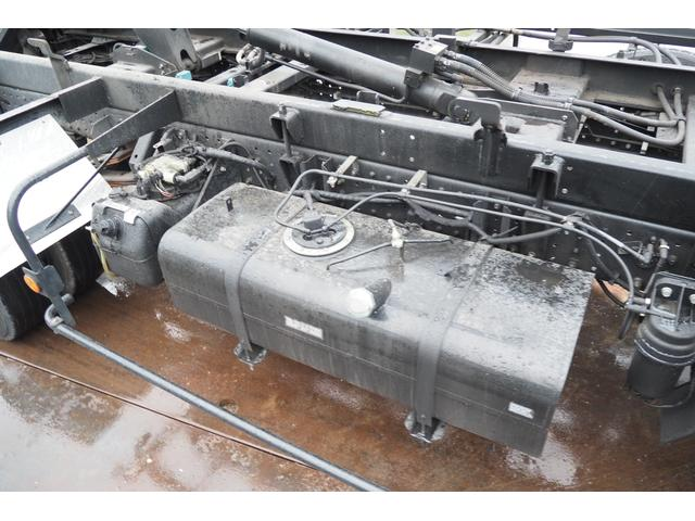 極東開発製 フラトップ フルフラット セーフティーローダー あおりレスタイプ スライド ウインチ ラジコン付き 荷台内寸570幅207cm 積載3.6t 内フック付き バックカメラ ETC ナビ付(47枚目)