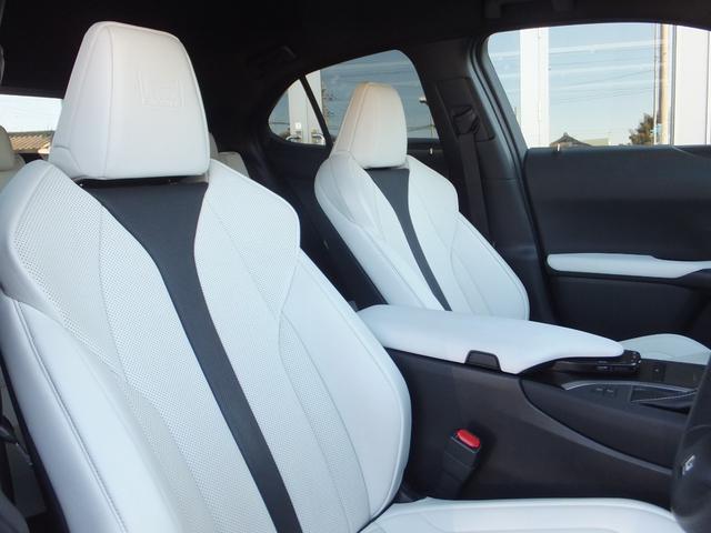 【MOP設定】F SPORT専用本革スポーツシート(運転席・助手席ベンチレーション機能&ヒーター付)スポーツ走行時にはしっかりと身体をサポートする性能を持ったシートに仕上げ、スポーティさを高めています