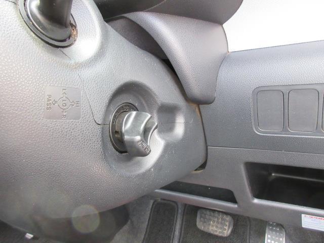カスタム X キセノンライト CDオーディオ ABS AW キーフリーシステム パワステ 記録簿 エアコン エアバック ベンチS 1オーナー車 WエアB(15枚目)