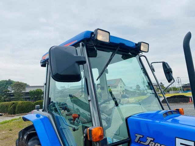イセキ 常用トラクター エアコンキャビン付 ハイスピード 55馬力 稼働620アワー(13枚目)