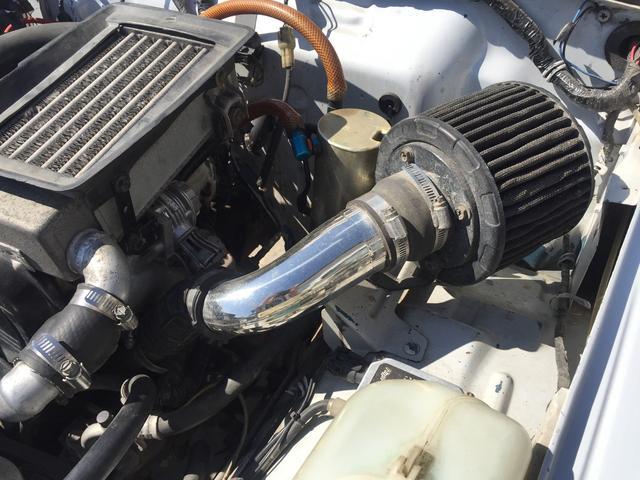 ベースグレード 4WD 5速マニュアル リフトアップ パール(16枚目)