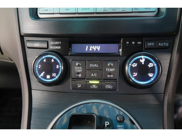 トヨタ マークXジオ 240 4WD スマートキー 4WD