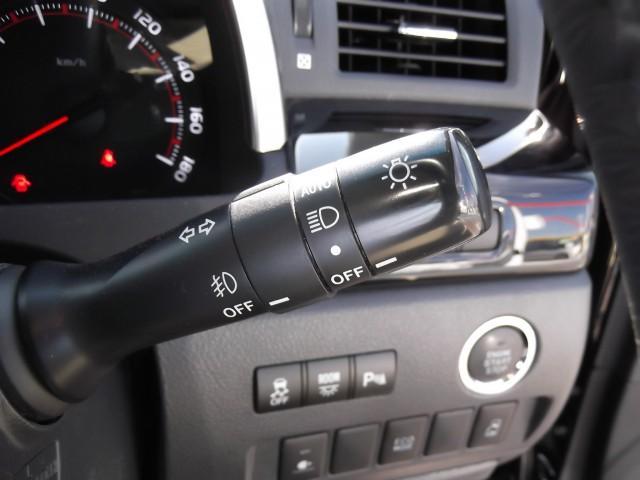 トヨタ ヴェルファイア 2.4Z 純正8型HDDナビ後席11型モニタ-