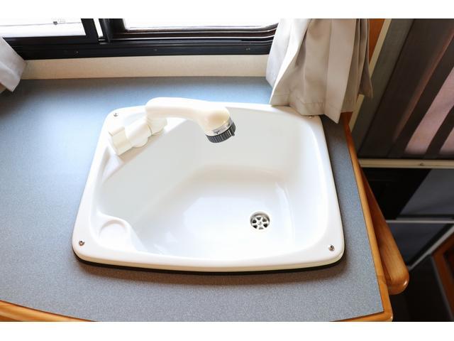 キャンピング AtoZ製アミティ 1オーナー 常設2段ベッド(76枚目)