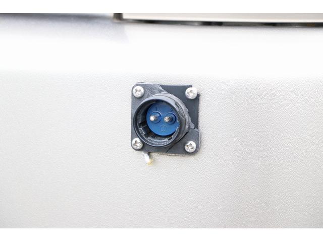 トイファクトリー製ランドティピー ナビ Bカメラ ETC フリップダウンモニター ツインサブバッテリー 走行充電 外部電源・充電 シンク 外部シャワー 冷蔵庫 FFヒーター ベンチレーター 1オーナー(38枚目)