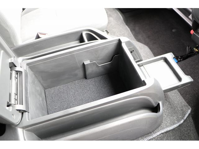 トイファクトリー製ランドティピー ナビ Bカメラ ETC フリップダウンモニター ツインサブバッテリー 走行充電 外部電源・充電 シンク 外部シャワー 冷蔵庫 FFヒーター ベンチレーター 1オーナー(59枚目)