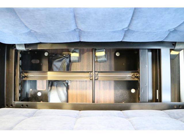 トイファクトリー製ランドティピー ナビ Bカメラ ETC フリップダウンモニター ツインサブバッテリー 走行充電 外部電源・充電 シンク 外部シャワー 冷蔵庫 FFヒーター ベンチレーター 1オーナー(77枚目)