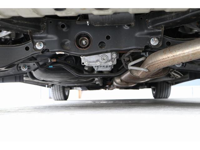 350ハイウェイスタープレミアム 4WD ナビ フリップダウンモニター アラウンドビュー ETC ブラックレザーシート Wサンルーフ レーダークルーズ 踏み違い防止 スカッフイルミ 両側電動スライド パワーバックドア 1オーナー(18枚目)