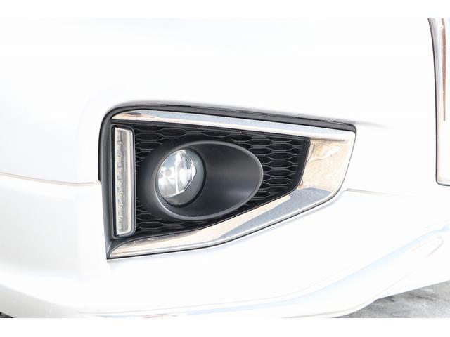 350ハイウェイスタープレミアム 4WD ナビ フリップダウンモニター アラウンドビュー ETC ブラックレザーシート Wサンルーフ レーダークルーズ 踏み違い防止 スカッフイルミ 両側電動スライド パワーバックドア 1オーナー(31枚目)