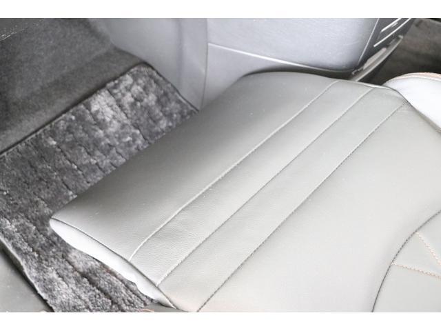 350ハイウェイスタープレミアム 4WD ナビ フリップダウンモニター アラウンドビュー ETC ブラックレザーシート Wサンルーフ レーダークルーズ 踏み違い防止 スカッフイルミ 両側電動スライド パワーバックドア 1オーナー(74枚目)
