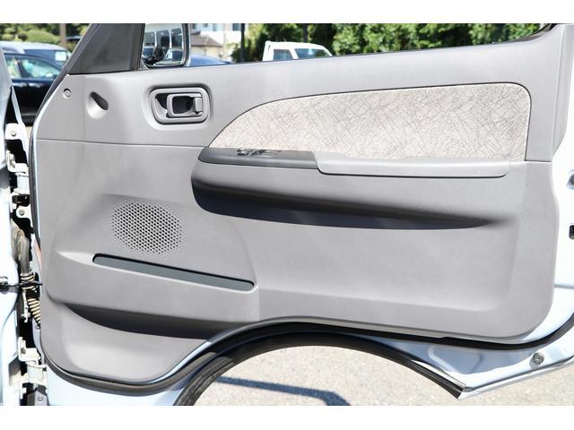 ビークル製ブロス ナビ Bカメラ ETC キーレス サブバッテリー 走行充電 外部電源・充電 シンク 冷蔵庫 FFヒーター 後席モニター サイドオーニング 1オーナー(41枚目)
