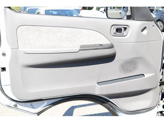 ビークル製ブロス ナビ Bカメラ ETC キーレス サブバッテリー 走行充電 外部電源・充電 シンク 冷蔵庫 FFヒーター 後席モニター サイドオーニング 1オーナー(45枚目)